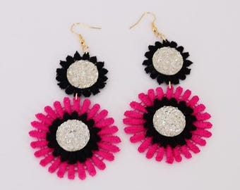 Maxi lace earrings, flower earrings, flower and beads earrings, earrings with stones, black and fuchsia earrings, maxi earrings, summer