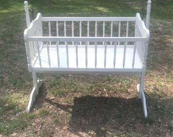 Bassinet, Cradle, Crib, Vintage, Shabby Chic, Farmhouse Nursery, White, New Born,