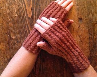Brown mittens