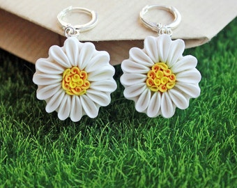 Chamomile earrings, white flower earrings, polymer clay Chamomile earrings, Chamomile jewelry, polymer clay flowers, silvering accessories
