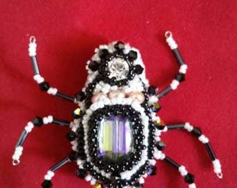 Cute spider brooch (Swarovski)