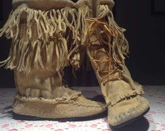 Native american mid calf boots ,size 7, Minnetonka boots ,moccasin boots ,brown suede fringe calf boots