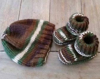 Newborn knitted camo beanie and booties
