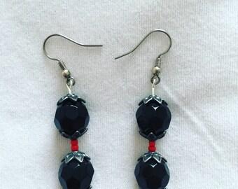 Black/red earrings
