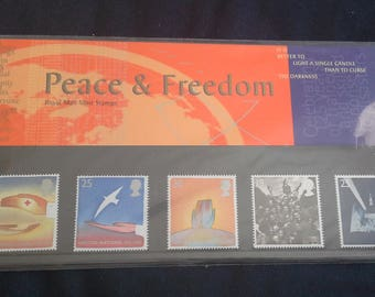 Royal mail stamps europa peace and freedom 1995 stamp presentation pack No257