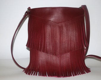 Bordeaux red fringes in leather and handmade purse
