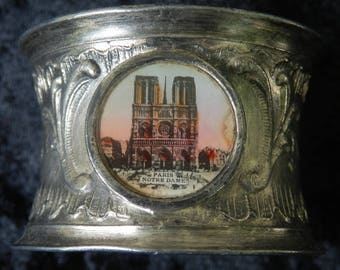 Paris serviette ring silver colored metal with a view of Notre Dame