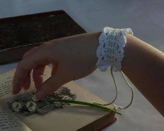 Winter's Snowdrop Bracelet