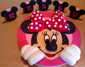 Handmade Minnie Mouse edible cake toppers personalised,shipping from UK