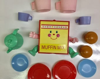 Vintage Cherry Merry Muffin Snack 'N Serve Muffin Mix with accessories