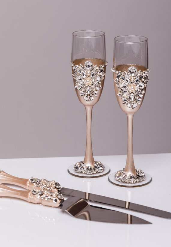 personalized wedding glasses and cake server set champagne or. Black Bedroom Furniture Sets. Home Design Ideas