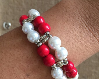 Red and white beaded bracelet, Stretchy bracelet