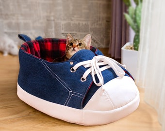 Original Sneaker Cat Bed, Pet Bed, Dog Bed. Black Red Tartan. Denim, Modern Cat Furniture, Cat Cave. Gift for Cats and Cat Lovers, pet gift