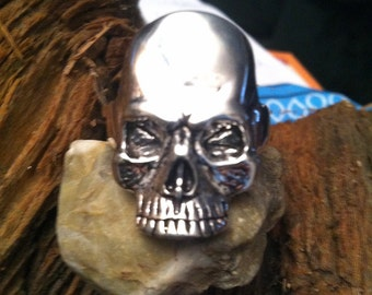 Heavy Silver plated Large skull ring