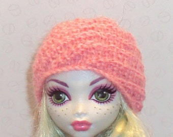 Hand knit Spiral Hat for Monster High Doll