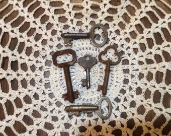 Vintage and Antique Small Skeleton Keys-Lot of 5