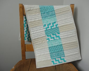 Aqua Turquoise Off-White Modern Table Topper/Runner