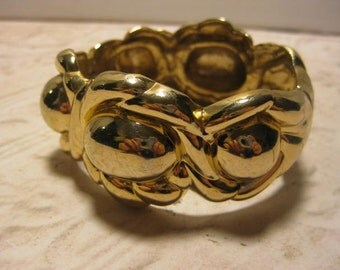 """Vintage Bracelet, Vintage Cuff Bracelet, Vintage Jewelry, Gold Tone, Spring Opening, Polished, 2 1/2"""" Opening, Classy Ladies, Classy Jewelry"""