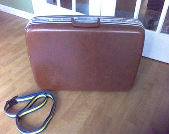 Large Samsonite Suitcase,,Brown, Stacking suitcase, vintage luggage, locking case
