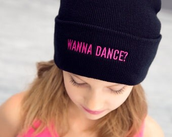 Wanna Dance Beanie - Pink