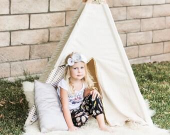 Toddler teepee - teepee - Natural - Play Tent - Modern Teepee - Childrens Teepee - Kids Teepee - Reading Nook - Room Decor - Kids play tent