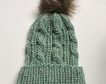 Cable Knit Beanie / Sea Green