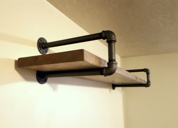 Single wall shelf with pipe supports