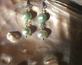 Simple Elegant Pearl Drop Earrings