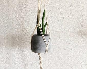Suspension for macramé plant / Macrame hanging plant