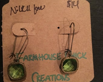 Light green drop earrings