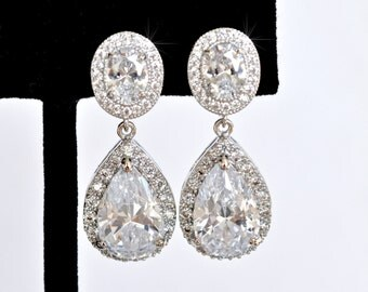 Classic Pear Cubic Zirconia CZ Dangle Clip-On Bridal Earrings (Sparkle-2428)