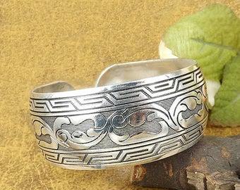 Tibetan jewelry, silver cuff bracelets for women, upper arm, gypsy - Nepal, ethnic, tribal, bangles, band. Boho, hippie. Girlfriend gifts