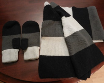 Scarf and mittens set