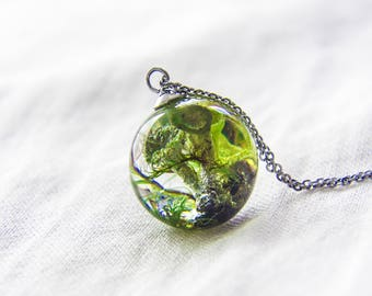 Terrarium necklace, forest moss, pixie cup lichens, reindeer lichens, botanical jewelry, unique jewelry, resin terrarium jewelry,