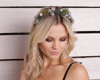 Winter crown bridal floral crown wedding flower crown green berry headpiece Christmas crown winter floral crown Christmas hair accessory