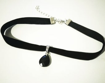 Black Velvet Choker with Teardrop Bead | Choker Necklace | Black Choker | Gothic Choker | Victorian Choker |