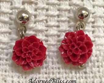 Red Resin Flower Earrings / Flower Earring / Valentine's Day / Women's Fashion / Post Earrings / Red Earrings / Red / Jewelry / Flower