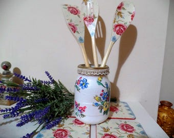 Set of beautiful 4 Cath Kidston coasters and 3 wooden spoons