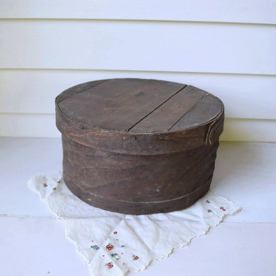 Round wooden bin vintage round wooden box with lid for Circular wooden box