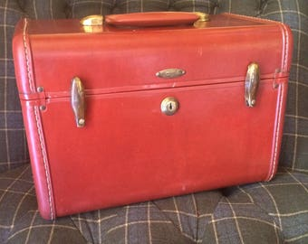 1950's Shwayder Bros Vintage Samsonite Train Case with original tray and key