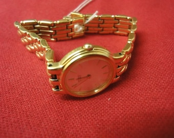 Ladies SEIKO gold plated stainless steel back nbr IN00 1A00 2N6315 watch