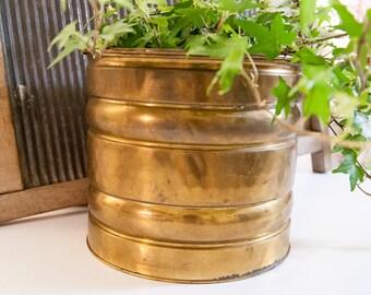 Vintage brass planter / brass flower pot / large planter / big brass planter / gold flower pot / decorative planter / gold planter