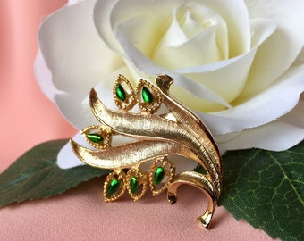 Gerry's Vintage Signed Gold Tone and Green Leaf Brooch, Vintage Leaf Brooch, Gold and Green Brooch