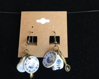 Spot of tea dangle earrings blue and beonze accents