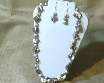 197 Beautiful Mother of Pearl Irregular Shaped Diamond Luster Shell Beads and Silver Glass Pearls Beaded Necklace