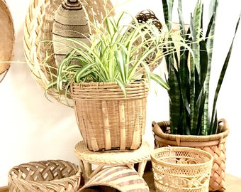 Plant baskets/vintage planters/wicker plant baskets/vintage baskets/wicker baskets/bohemian home decor/boho home decor/planters/farmhouse