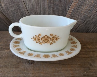 Pyrex Butterfly Gold Gravy Boat and Dish {Flower Floral Yellow Gold and White} Vintage Pyrex Bowls Gravy Boat for Thanksgiving