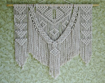 Large macrame wall hanging Macrame wall hanging Boho decor Macrame modern decor Bohemian decor Boho chic decor, Perfect wall art