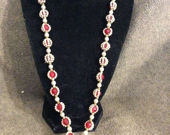 Vintage Late 1940's or Early 1950's Very Faux Pearl and Bead Necklace