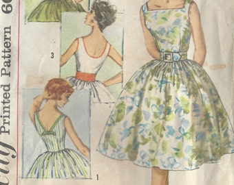 "1950s Vintage Sewing Pattern B31 1/2"" DRESS (R438) Simplicity 3426"